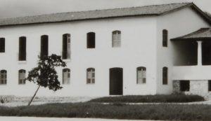 Casarão que abriga Administração, Pinacotecas e Museu Arthur Ramos